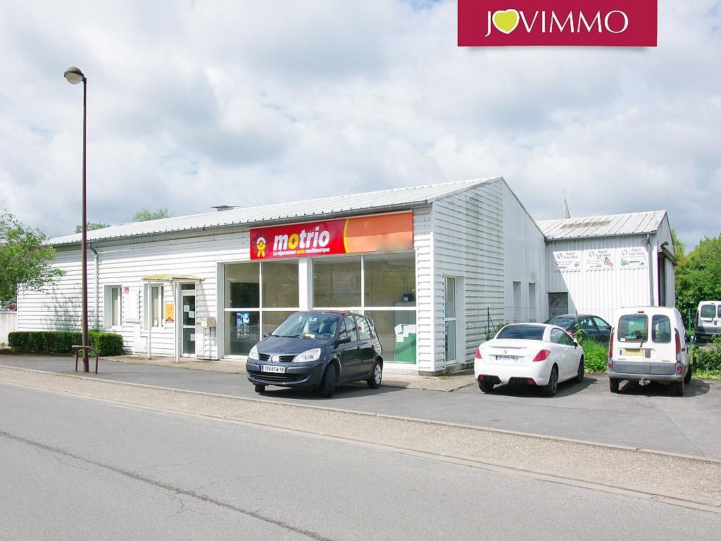 A vendre garage de mecanique auto avec atelier for Garage mecanique lyon 8